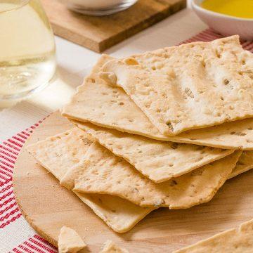 sunflower-seeds-schiaccette-flat-crunchy-bread