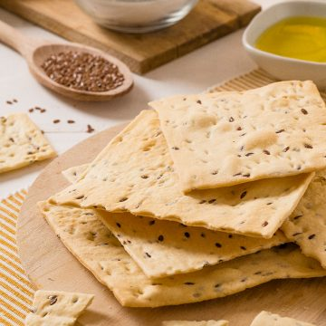 linseed-schiaccette-flat-crunchy-bread