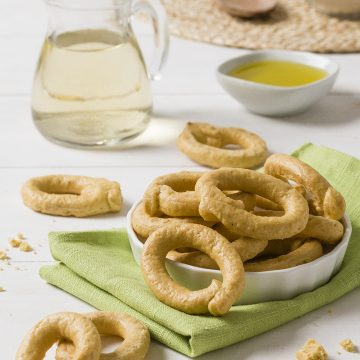 taralli-with-only-extra-virgin-olive-oil